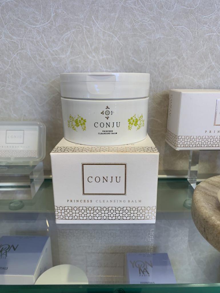 Dry skin allies! CONJU cleansing balm